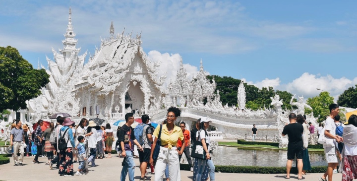 Why You Should Go on the Chiang Rai Temple Tour with TripGuru